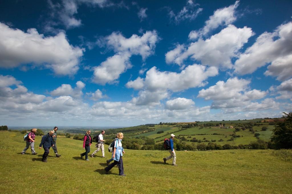 Farmcote-Valley-walkers-2