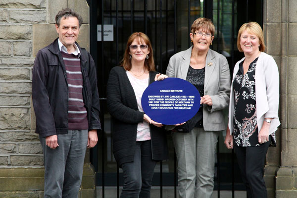 Blue-Plaque-photo-2b